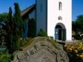 Amrum-Kirche-Seefahrerfriedhof-193x300